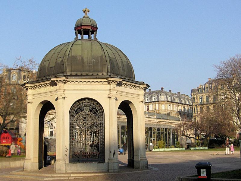 Kochbrunnen auf dem Kranzplatz